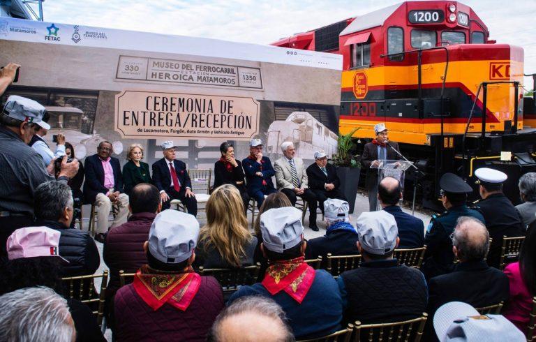 Entregan piezas históricas al Museo del Ferrocarril