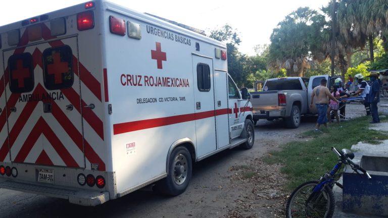 Menores de edad vuelcan en cuatrimoto y resultan lesionados