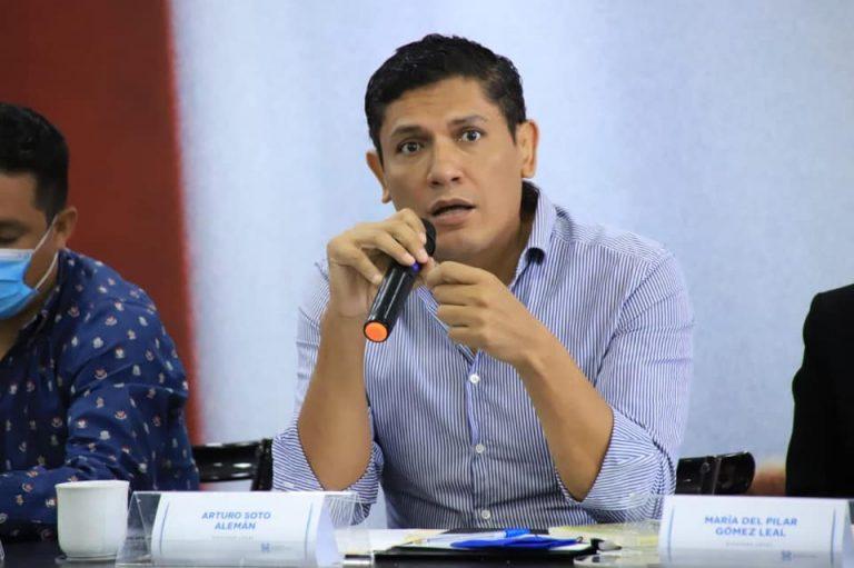Quiere Arturo Soto diputación federal