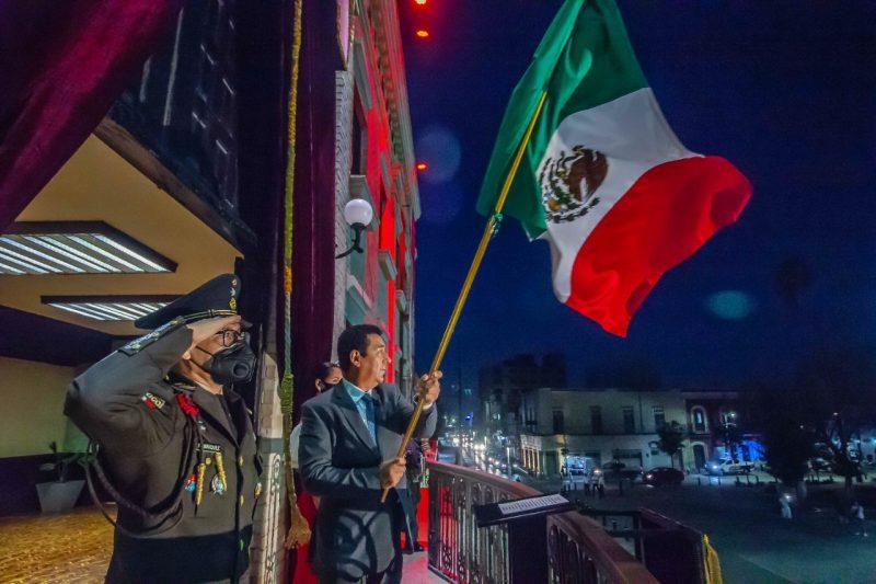 Presidente Municipal de Matamoros da Grito de Independencia, cumpliendo protocolos por COVID 19