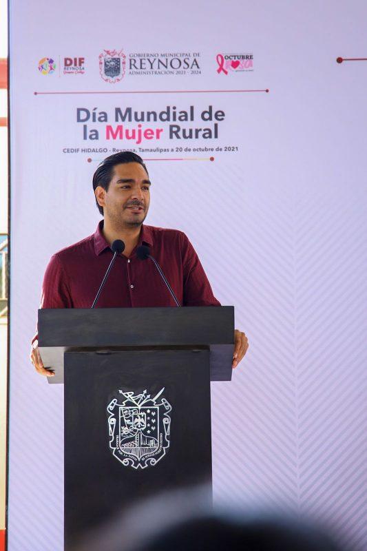 Reconoce el alcalde Carlos Peña Ortiz a la mujer rural en su día