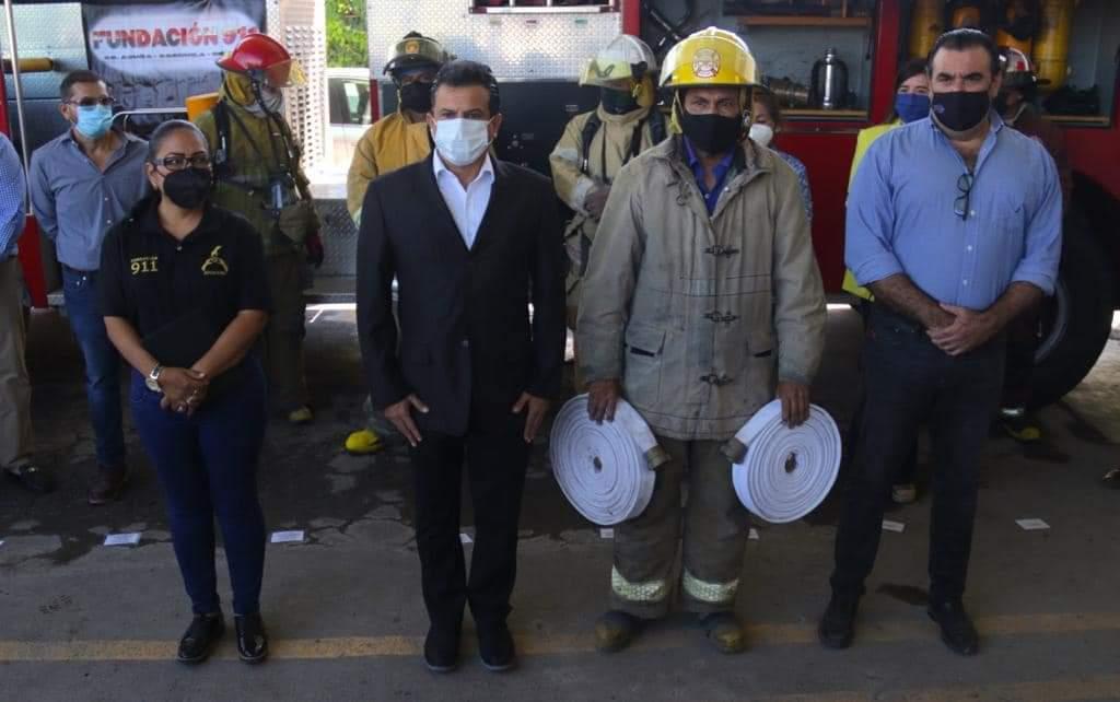 Anuncia Lalo Gattás entrega de nuevo camión de bomberos